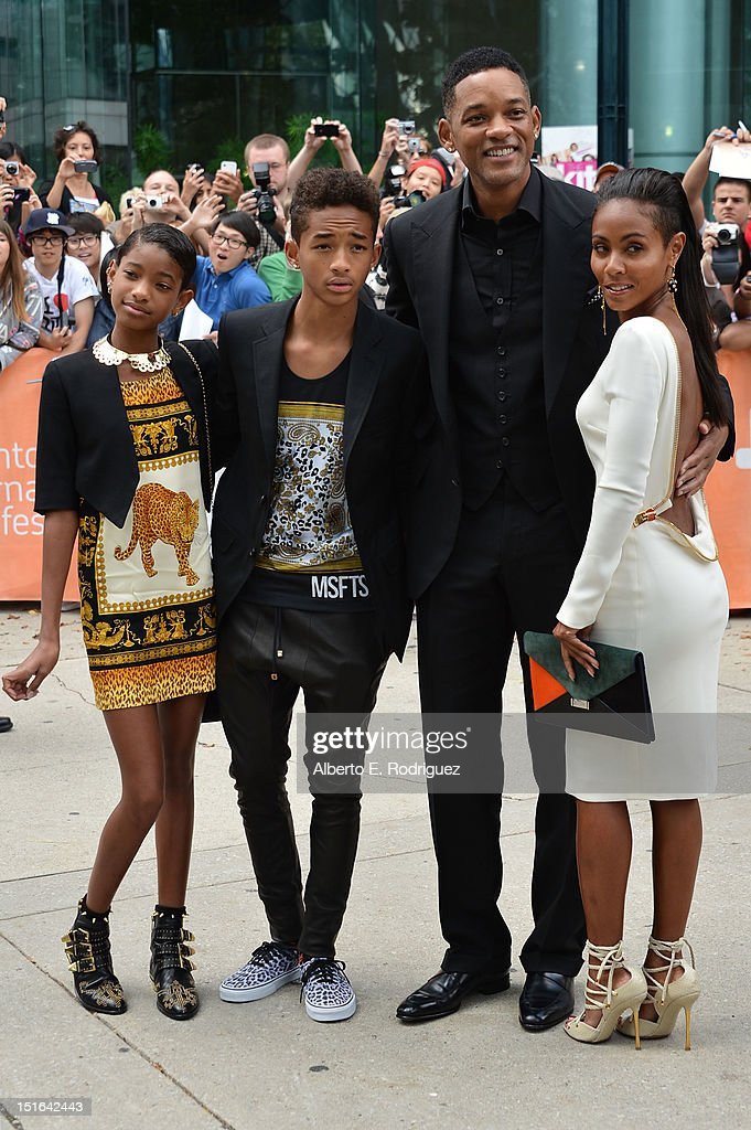 <a gi-track='captionPersonalityLinkClicked' href=/galleries/search?phrase=Willow+Smith&family=editorial&specificpeople=869488 ng-click='$event.stopPropagation()'>Willow Smith</a>, <a gi-track='captionPersonalityLinkClicked' href=/galleries/search?phrase=Jaden+Smith&family=editorial&specificpeople=709174 ng-click='$event.stopPropagation()'>Jaden Smith</a>, actor <a gi-track='captionPersonalityLinkClicked' href=/galleries/search?phrase=Will+Smith+-+Actor+-+Born+1968&family=editorial&specificpeople=156403 ng-click='$event.stopPropagation()'>Will Smith</a> and actress <a gi-track='captionPersonalityLinkClicked' href=/galleries/search?phrase=Jada+Pinkett+Smith&family=editorial&specificpeople=201837 ng-click='$event.stopPropagation()'>Jada Pinkett Smith</a> attend the 'Free Angela & All Political Prisoners' premiere during the 2012 Toronto International Film Festival at Roy Thomson Hall on September 9, 2012 in Toronto, Canada.