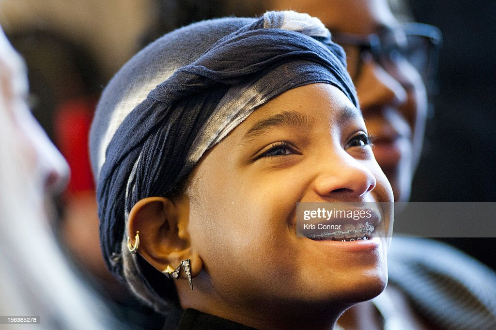 <a gi-track='captionPersonalityLinkClicked' href=/galleries/search?phrase=Willow+Smith&family=editorial&specificpeople=869488 ng-click='$event.stopPropagation()'>Willow Smith</a> listens to her mom Jada Pinkett Smith speak during the launch of the Senate Caucus to End Human Trafficking at the Russell Senate Office Building on November 14, 2012 in Washington, DC.