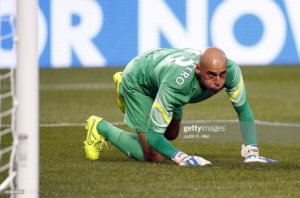 <a gi-track='captionPersonalityLinkClicked' href=/galleries/search?phrase=Willy+Caballero&family=editorial&specificpeople=7800140 ng-click='$event.stopPropagation()'>Willy Caballero</a> #13 of Manchester City looks on after a shot went wide in the first half against AC Milan during International Champions Cup 2014 at Heinz Field on July 27, 2014 in Pittsburgh, Pennsylvania.