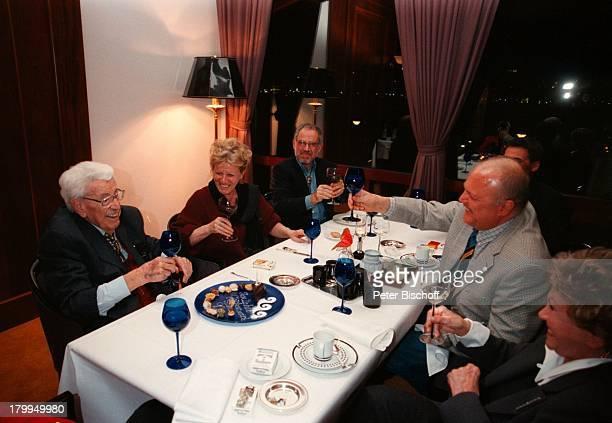 Willy Millowitsch mit Ehefrau GerdaTochter Katerina Eisenlohr mit EhemannChristian Eisenlohr Dr RolfCorneliusMüller GeburtstagsFeierzum 90 Geburtstag...