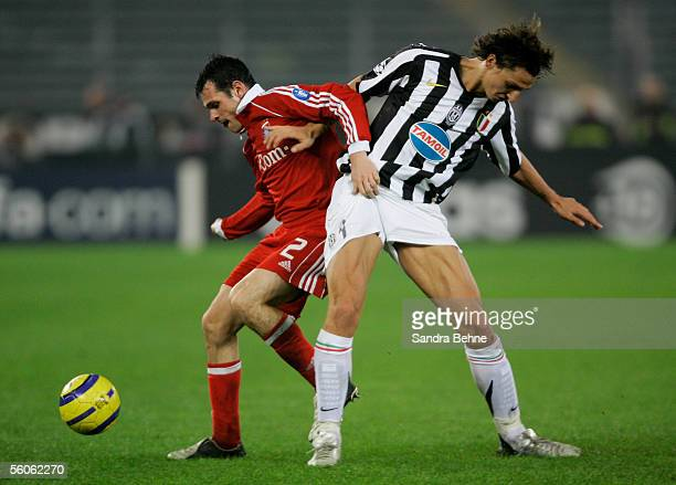 Willy Sagnol of Bayern Munich and Zlatan Ibrahimovic of Juventus battle for the ball during the UEFA Champions League group A match between Juventus...