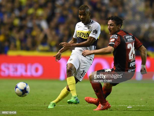 Wilmar Barrios of Boca Juniors kicks the ball during a match between Boca Juniors and Patronato as part of Torneo Primera Division 2016/17 at Alberto...