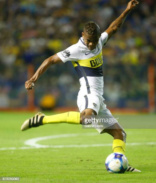 Wilmar Barrios of Boca Juniors kicks the ball during a match between Boca Juniors and Arsenal as part of Torneo Primera Division 2016/17 at Alberto J...
