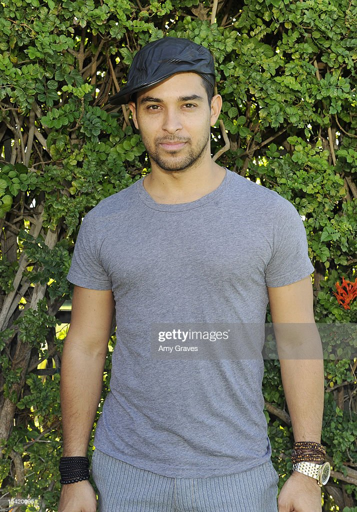 <a gi-track='captionPersonalityLinkClicked' href=/galleries/search?phrase=Wilmer+Valderrama&family=editorial&specificpeople=202028 ng-click='$event.stopPropagation()'>Wilmer Valderrama</a> attends the Carter's Kids Golf Tournament at Trump National Golf Course on October 15, 2012 in Palos Verdes Estates, California.
