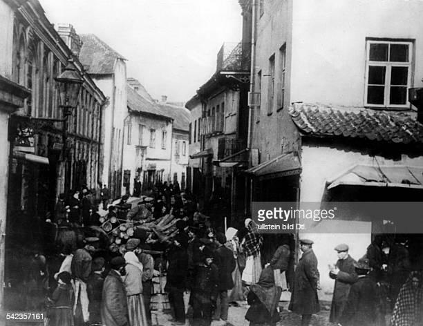 Blick in die Fleischmarktgasse das alte Ghetto der Juden vermutl um 1920