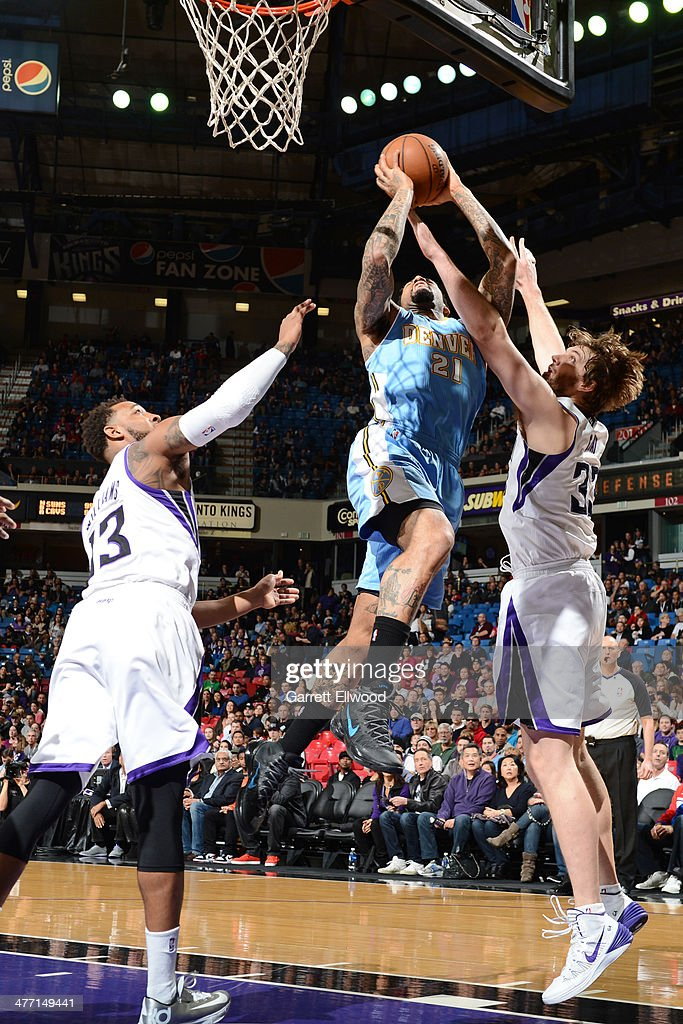 <a gi-track='captionPersonalityLinkClicked' href=/galleries/search?phrase=Wilson+Chandler&family=editorial&specificpeople=809324 ng-click='$event.stopPropagation()'>Wilson Chandler</a> #21 of the Denver Nuggets goes up for the layup against the Sacramento Kings at Sleep Train Arena on January 26, 2014 in Sacramento, California.