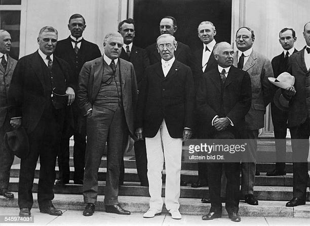 Wilson Woodrow *28121856Politician USAUSPresident 19131921 in white trousers with members of the senate Washington 1919Photographer Walter Gircke