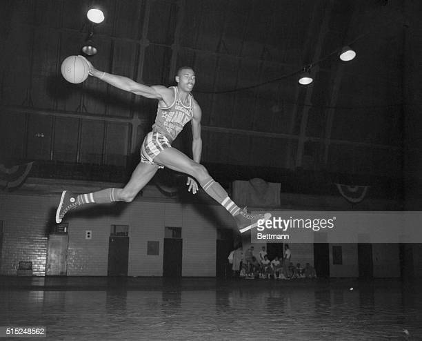 Wilt Chamberlain 69th Regiment Armory Globetrotter 7 foot AllAmerican from Kansas University worked out today at the 69th Regiment Armory in...