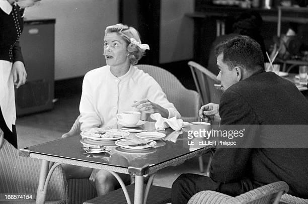 Wimbledon Tennis Tournament 1955 Londres juin 1955 A l'occasion du tournoi de tennis de Wimbledon la joueuse Beverly FLEITZ coiffée de couettes...