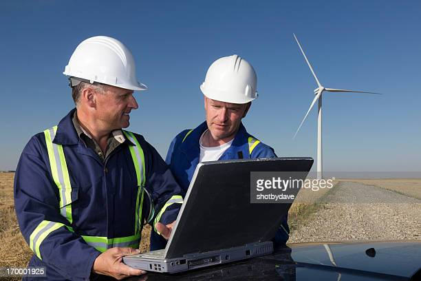 風力エネルギーとノートパソコン