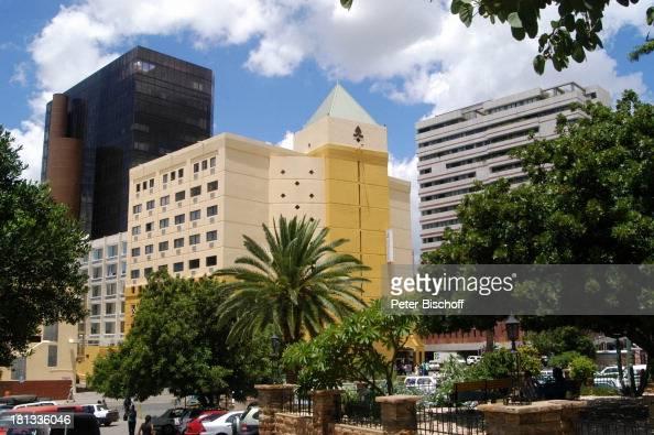 Windhoek Hauptstadt von Namibia Afrika ProdNr 109/2006 Gebäude Hochhäuser Bäume Palme Reise