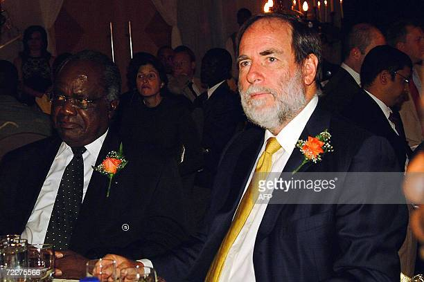 Nicky Oppenheimer chairman of mining giant De Beers and Namibian President Hifikepunye Pohamba attend a gala dinner in Windhoek late 26 October 2006...