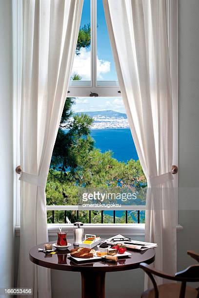 Finestra mare foto e immagini stock getty images - Finestra sul mare malta ...