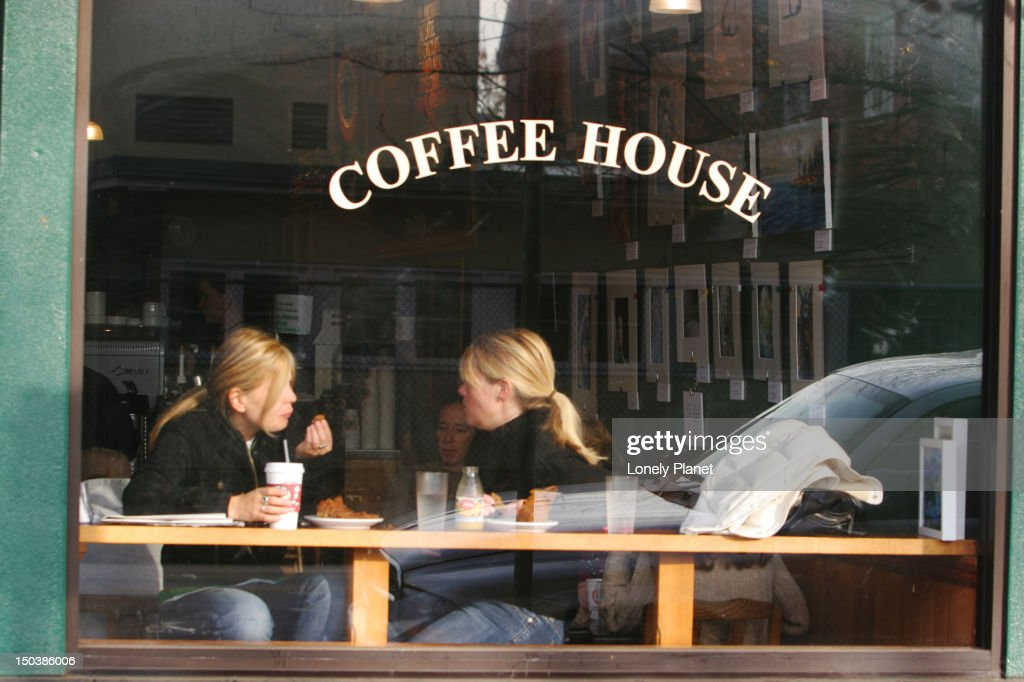 Window table at Coffee House on Cornwall Ave, Kitsilano. : Stock Photo
