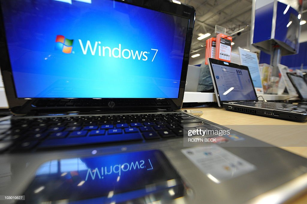 A Windows 7 logo appears on a computer on display at an electronics store in Los Angeles, California on October 22, 2009, the official release date of Microsoft's newest operating system. Microsoft's much-heralded Windows 7 went on sale around the world Thursday as the US software giant seeks to reboot after the disappointment of its previous generation operating system Vista. AFP PHOTO / Robyn Beck