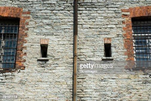 Windows on a wall : Foto de stock