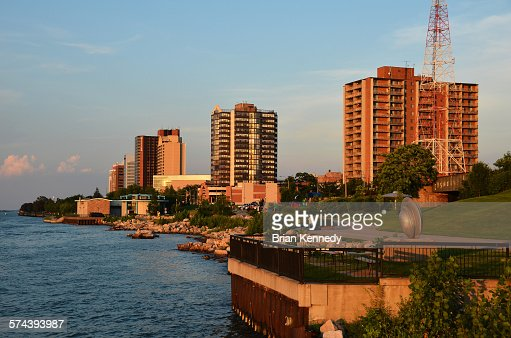 Windsor River Edge