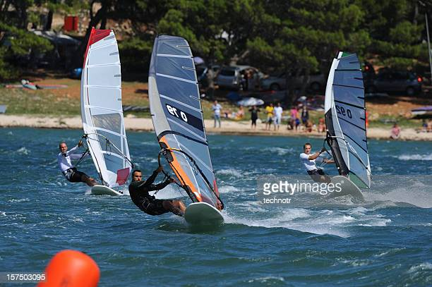 Windsurfers durante la regata