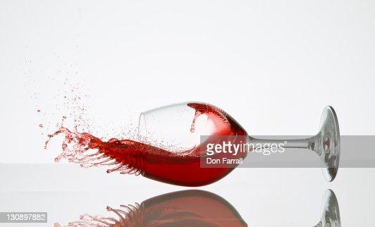 Wine Glass Spilling : Foto de stock