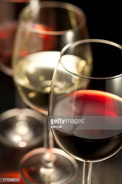 Wein in Gläser