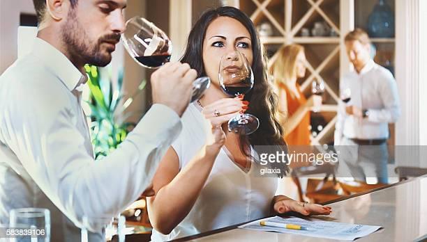Degustação de vinho.