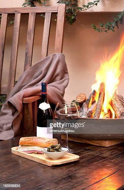Wein und Kamin