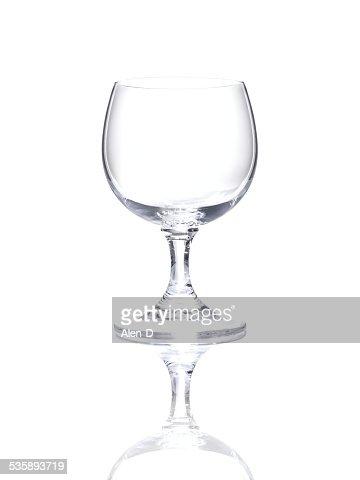 Weinglas auf weißem Hintergrund, Freisteller leeren Glas Becherglas : Stock-Foto