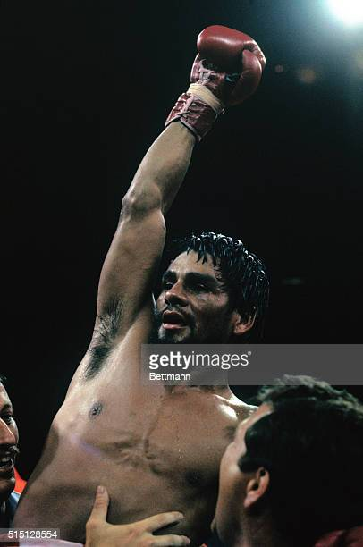 Winner and new welterweight champion Roberto Duran rejoices after decision win over Sugar Ray Leonard