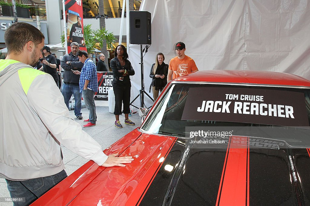 Winner Italo Ciccavell and Runner-up Matt Waggoner at the 'Jack Reacher' Reach For Reacher Blu-Ray/DVD Launch And 1971 Chevelle SS Clone Car Giveaway at Hollywood & Highland Courtyard on May 7, 2013 in Hollywood, California.