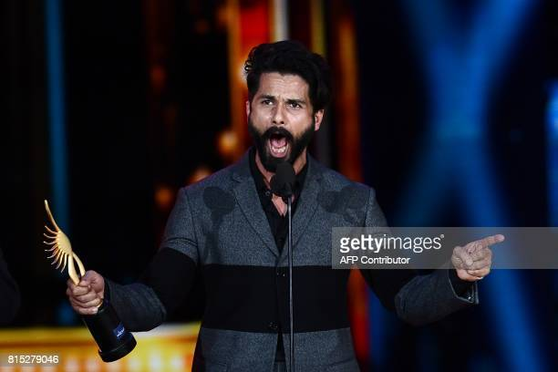 Winner of Best Performance in a Leading Role Male Shahid Kapoor for 'Udta Punjab' accepts his award during 18th International Indian Film Academy...