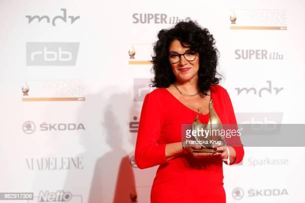 Winner Tina Witkowski attends the Goldene Henne on October 13 2017 in Leipzig Germany