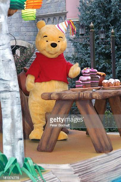 Winnie Pooh bei 'Christmas Parade' 'Disneyland Park' 'Disneyland Resort Paris' Paris Frankreich Europa Freizeitpark Vergnügungspark Reise