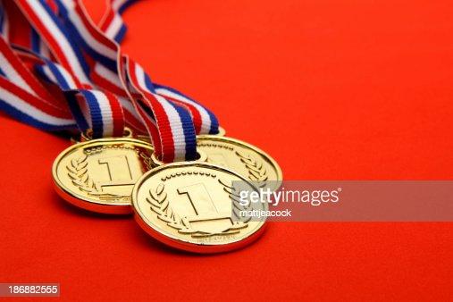 メダルを受賞