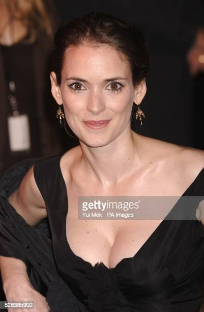 Winona Ryder arrives on the red carpet