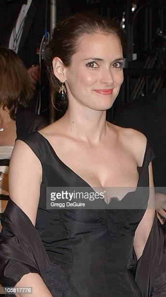 Winona Ryder during 2006 Vanity Fair Oscar Party Hosted by Graydon Carter Arrivals at Morton's in West Hollywood California United States