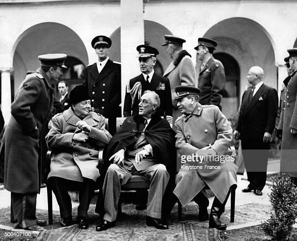 Winston Churchill Franklin Delano Roosevelt et Joseph Staline pendant la conference de Yalta en fevrier 1945 a Yalta Ukraine