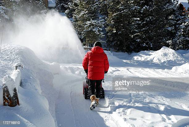 Inverno lavori domestici in montagna