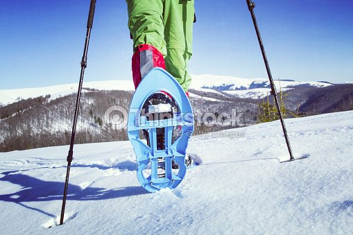 winter hiking in the mountains ストックフォト thinkstock