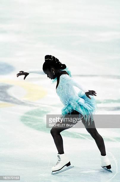 Skating Woman Original Program Aux Jeux Olympiques d'Albertville dans l'épreuve de patinage artistique 'programme original Dames' la française Surya...