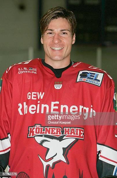Wintersport / Eishockey DEL 04/05 Koeln Koelner Haie / Portraittermin / Pressekonferenz Andreas RENZ / Haie 030804