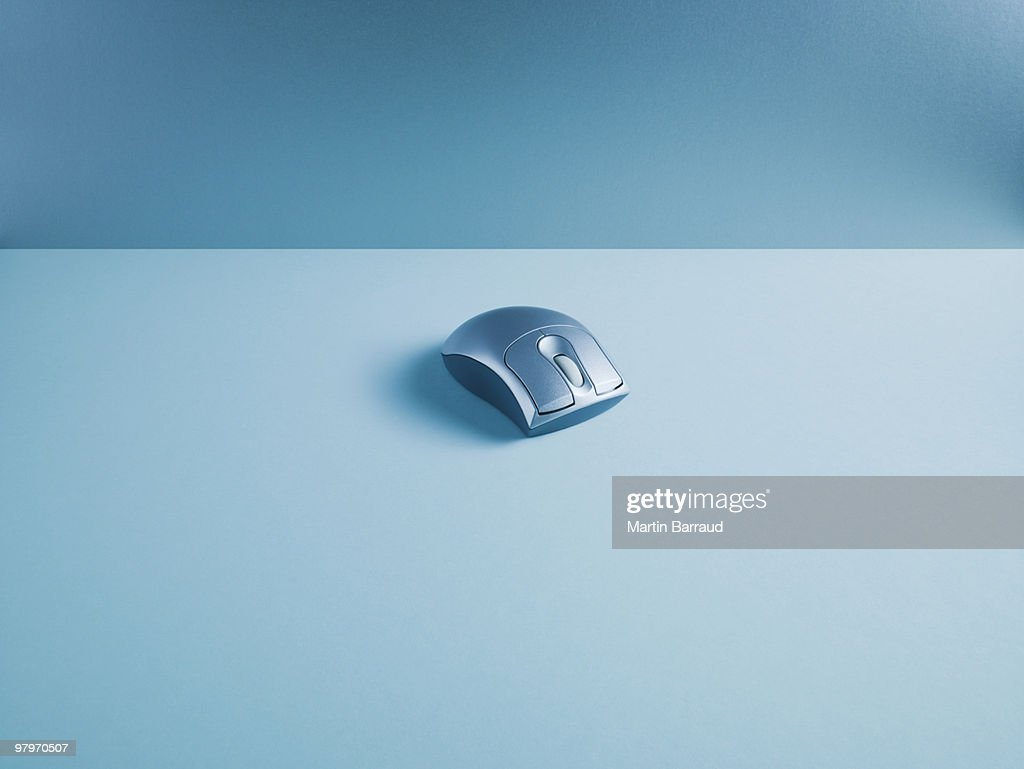 Wireless computer mouse : Stock Photo
