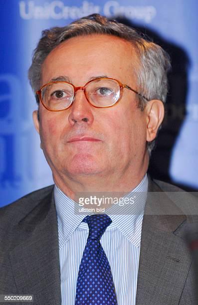 Wirtschaftsminister Giulio Tremonti während einer Pressekonferenz anlässlich einer Konferenz des Aspen Institute Italia zu Sicherheitsfragen in...