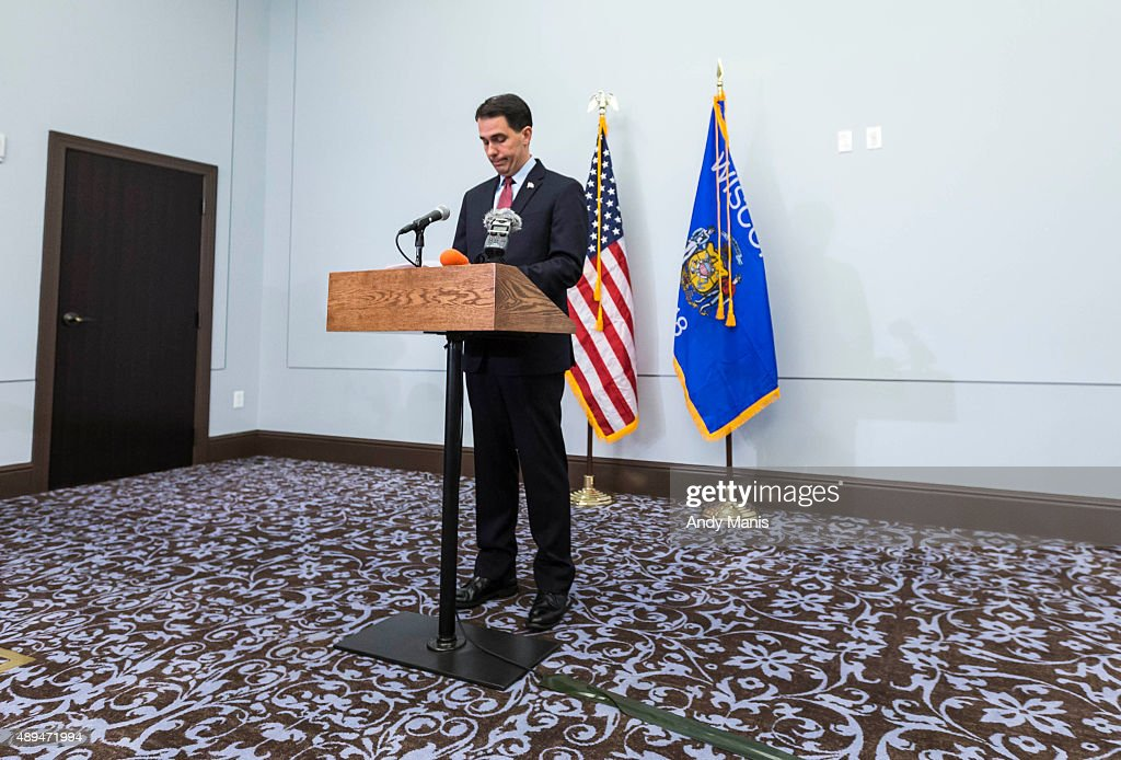 Wisconsin Gov. <a gi-track='captionPersonalityLinkClicked' href=/galleries/search?phrase=Scott+Walker+-+Politiek&family=editorial&specificpeople=7511934 ng-click='$event.stopPropagation()'>Scott Walker</a> speaks at a news conference September 21, 2015 in Madison, Wisconsin, Walker, a one-time Iowa front-runner in the Republican presidential race, announced that he is ending his bid for the White House.