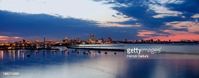 USA, Wisconsin, Milwaukee, City skyline at dusk