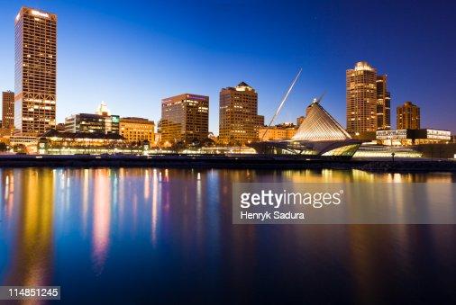 USA, Wisconsin, Milwaukee, Skyline illuminated at night