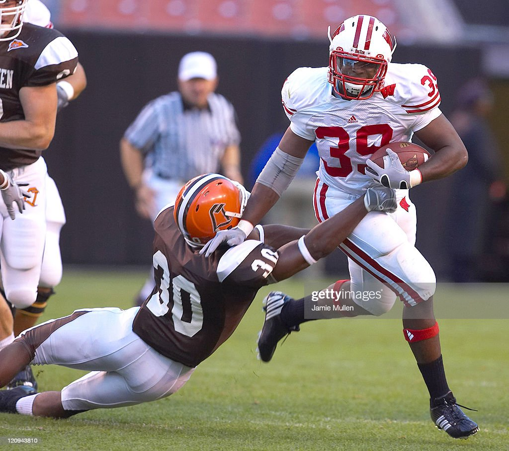 Wisconsin running back PJ Hill breaks to the outside versus Bowling Green State University Falcons Saturday September 2 at Cleveland Browns Stadium...