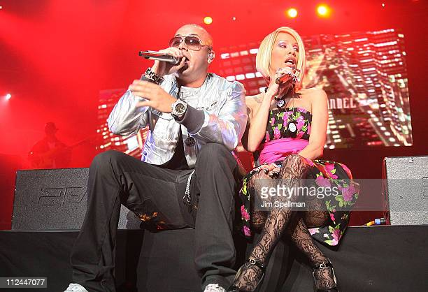 Wisin of Wisin y Yandel and Singer Ivy Queen perform during a prePuerto Rican Day Parade celebration concert on June 7 2008 at Madison Square Garden...