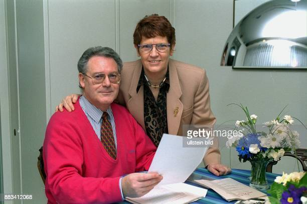 Wissenschaftlerin Politikerin CDU D Bundestagspräsidentin mit Ehemann Prof Dr Hans Süssmuth