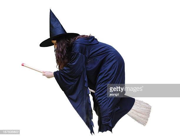 Hexe fliegt auf broomstick