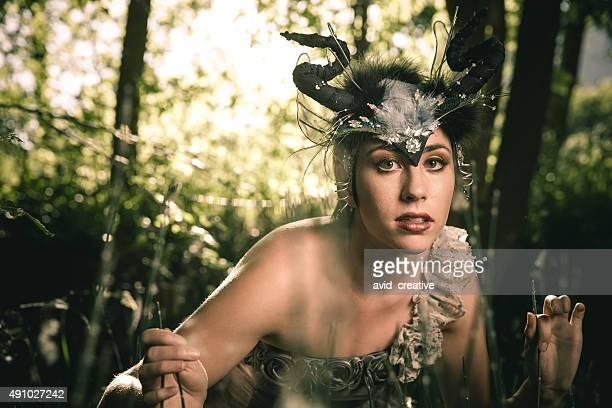 魔女の女の子反抗ダークの森